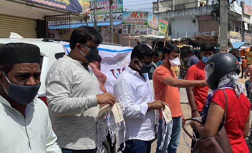 DAY 59….లింగంపల్లి, చందానగర్, ప్రాంతాలలో  మాస్కులను పంపీణీ చేయడం జరిగింది…