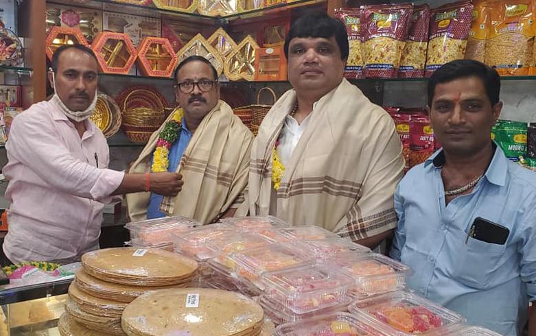 డీల్లీ స్వీట్ వాలా స్వీట్ షాప్ ప్రారంభత్సవ కార్యక్రమంలో పాల్గొనడం జరిగింది.