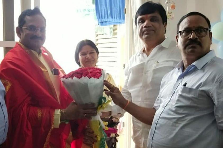 యోగా గురువు, SBI అసిస్టెంట్ జనరల్ మేనేజర్ K. Sampath Kumar గారికి సన్మానం…
